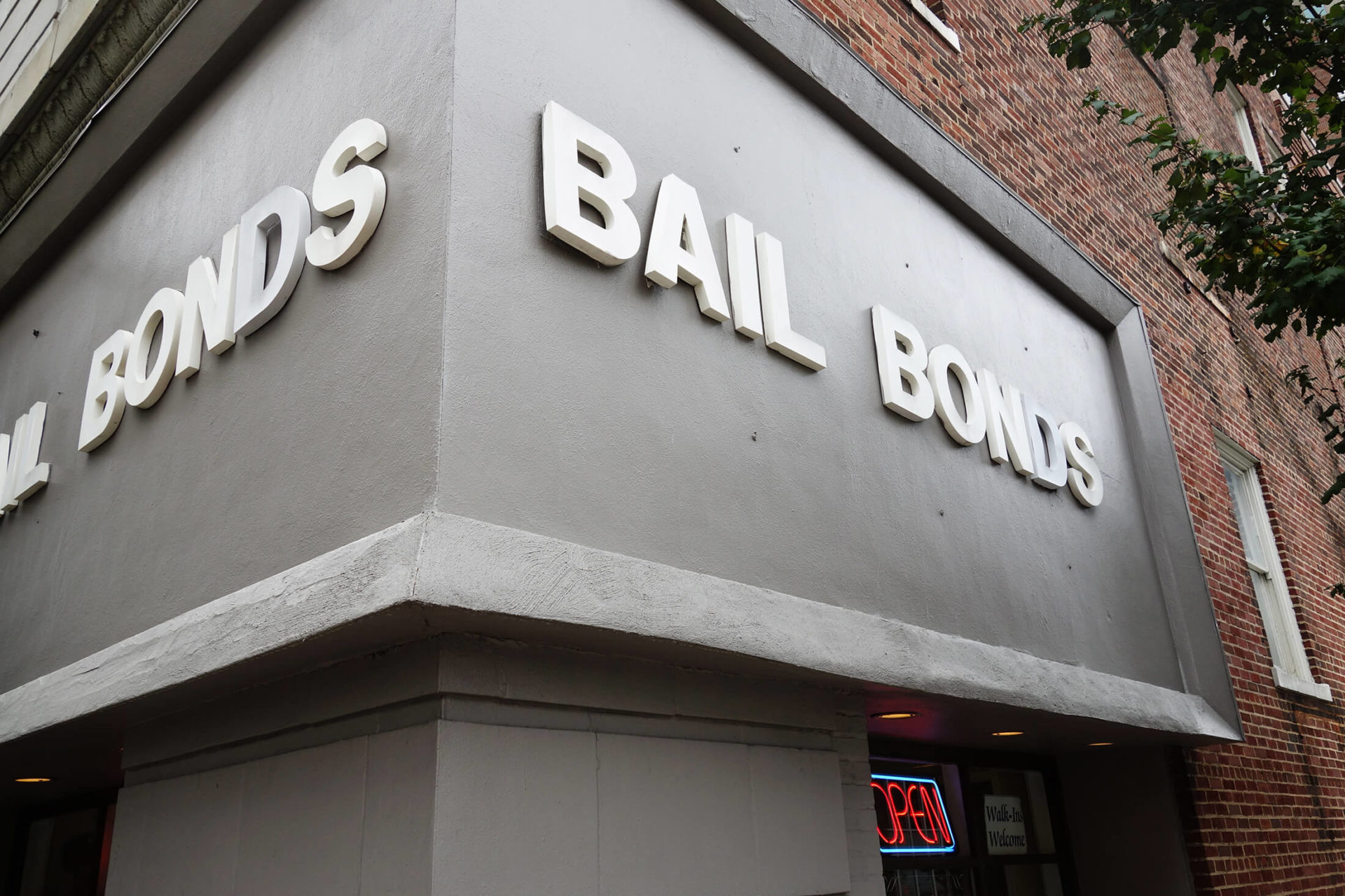 How does Bail Bonds Work in Illinois | Bond Law